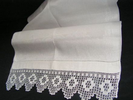 HT6 Large Genuine Vintage White Lace Edged Huckaback Towel